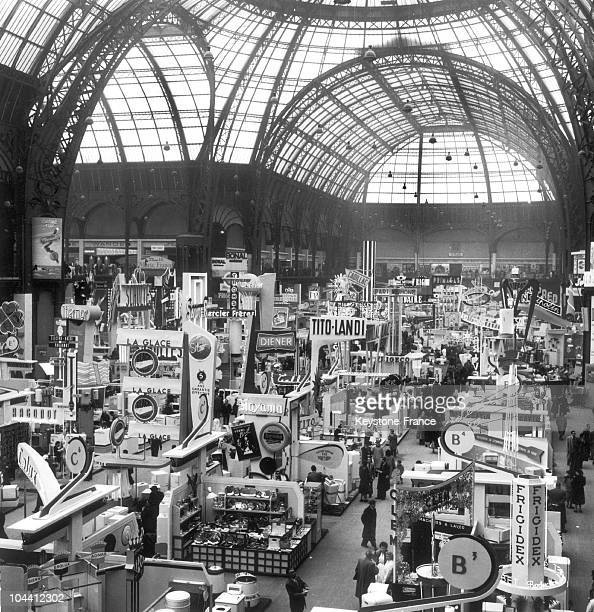 General view of the home appliances showroom at the Grand Palais in March 1955