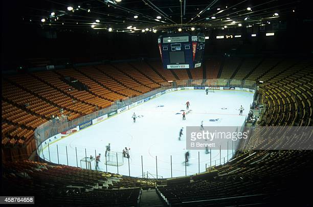 General View of the home of the Los Angeles Kings in November 1997 at the Great Western Forum in Inglewood California
