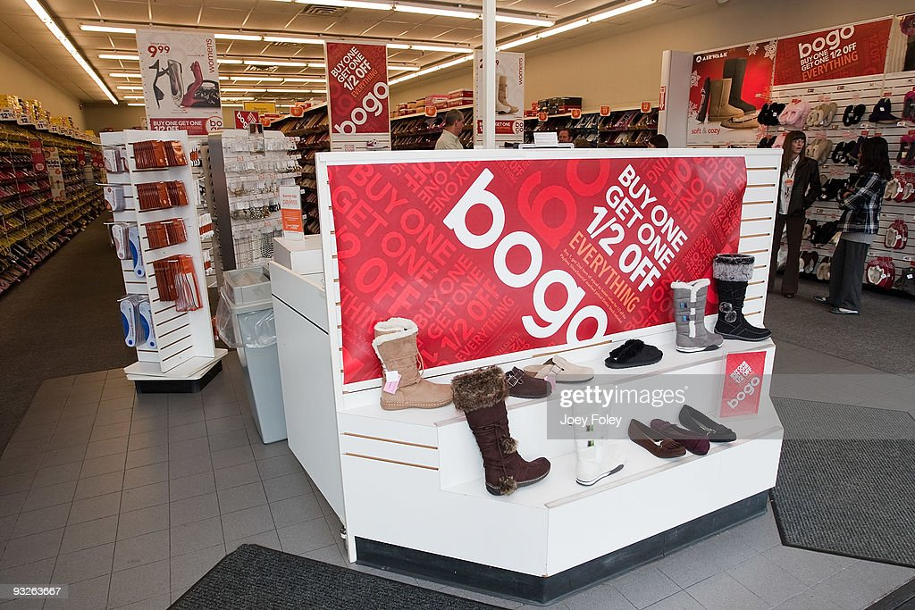 Payless Gives Shopping Event with Anthony Munoz Foundation : News Photo