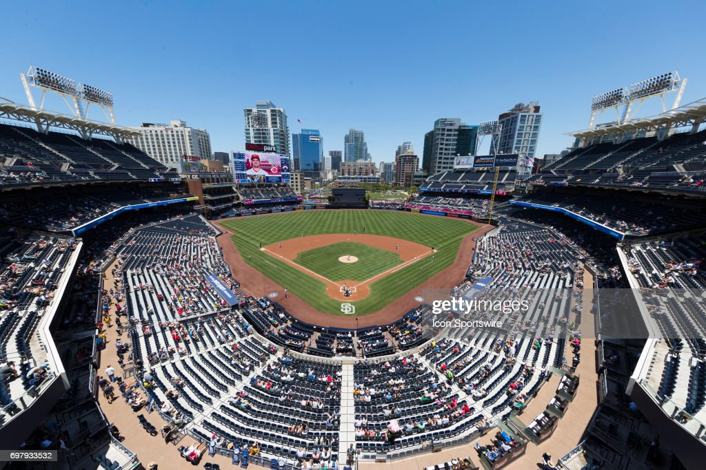 MLB: JUN 14 Reds at Padres : News Photo
