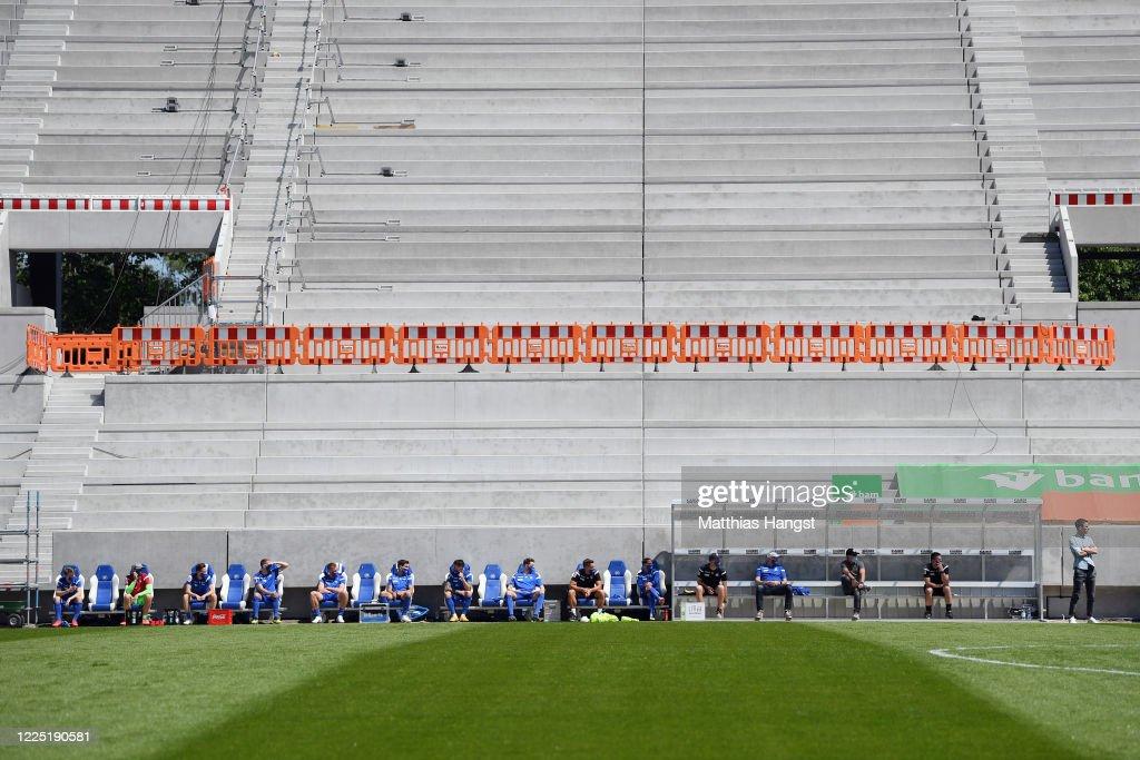Karlsruher SC v SV Darmstadt 98 - Second Bundesliga : Foto di attualità