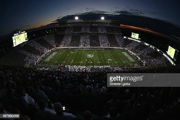 General view of the kickoff between the Oregon Ducks versus Michigan State Spartans at Spartan Stadium on September 12, 2015 in East Lansing,...