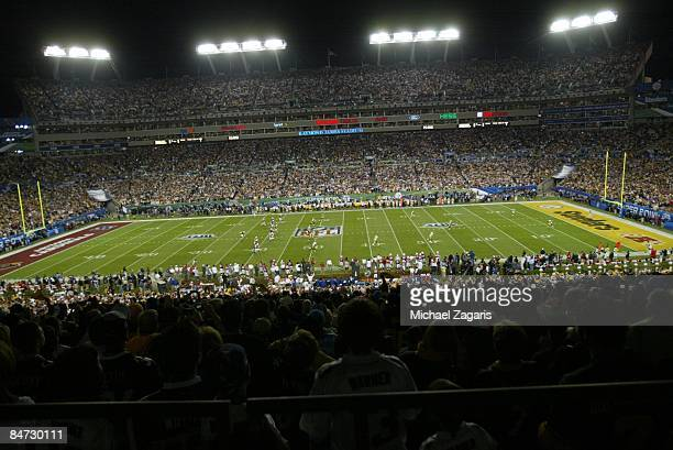 General view of the kickoff between the Pittsburgh Steelers and the Arizona Cardinals during Super Bowl XLIII on February 1 2009 at Raymond James...