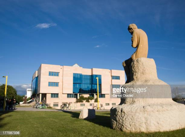 CONTENT] General view of the library of the University of León and the sculpture of The thinking Quixote in the Campus de Vegazana León Spain 2010