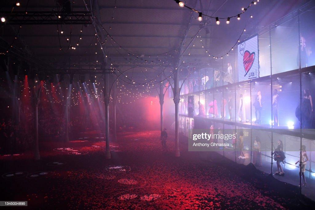 """Love Brings Love"" Show – In Honor Of Alber Elbaz By AZ Factory - Alternative Views - Paris Fashion Week - Womenswear Spring Summer 2022 : News Photo"