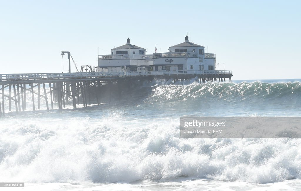 a general view of the malibu ocean and beach atmosphere during huge news photo getty images https www gettyimages com detail news photo general view of the malibu ocean and beach atmosphere news photo 454263416