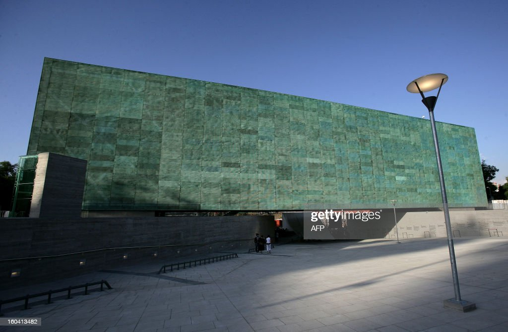 A general view of the 'Memory and Human Rights Museum' inaugurated by Chilean President Michelle Bachelet, which honours the victims of the dictatorship of Augusto Pinochet (1973-1990), in Santiago on January 11, 2010. AFP PHOTO/Claudio Santana /