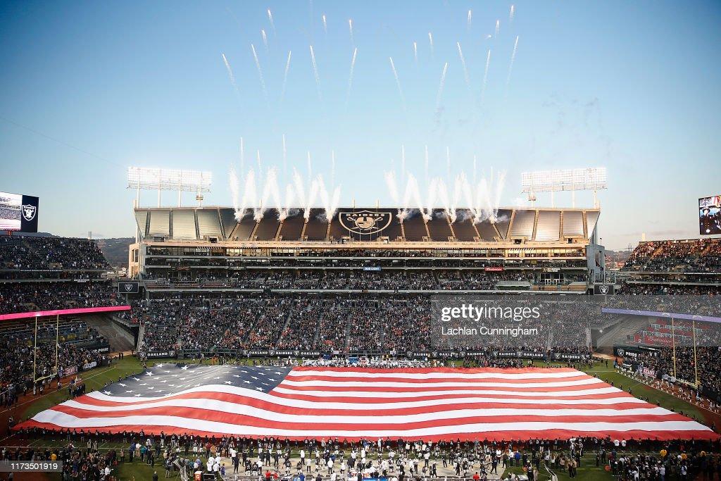 Denver Broncos vOakland Raiders : News Photo