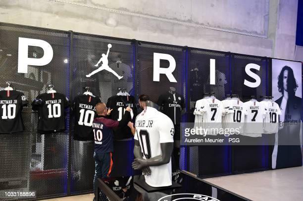 The New Paris Saint Germain X Jordan Shirt Goes On Sales At