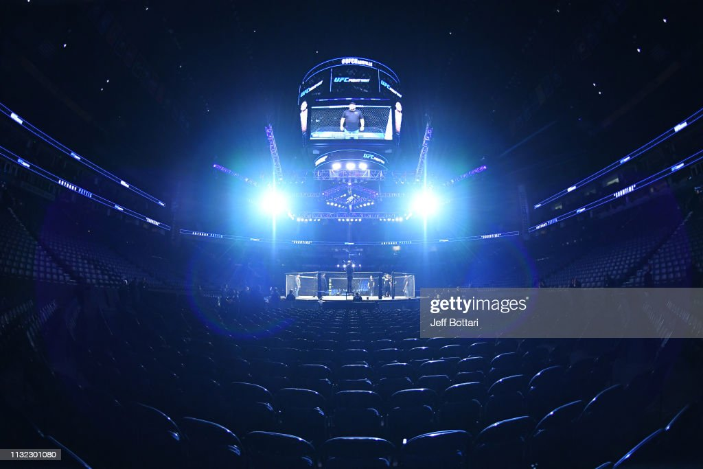 TN: UFC Fight Night Thompson v Pettis