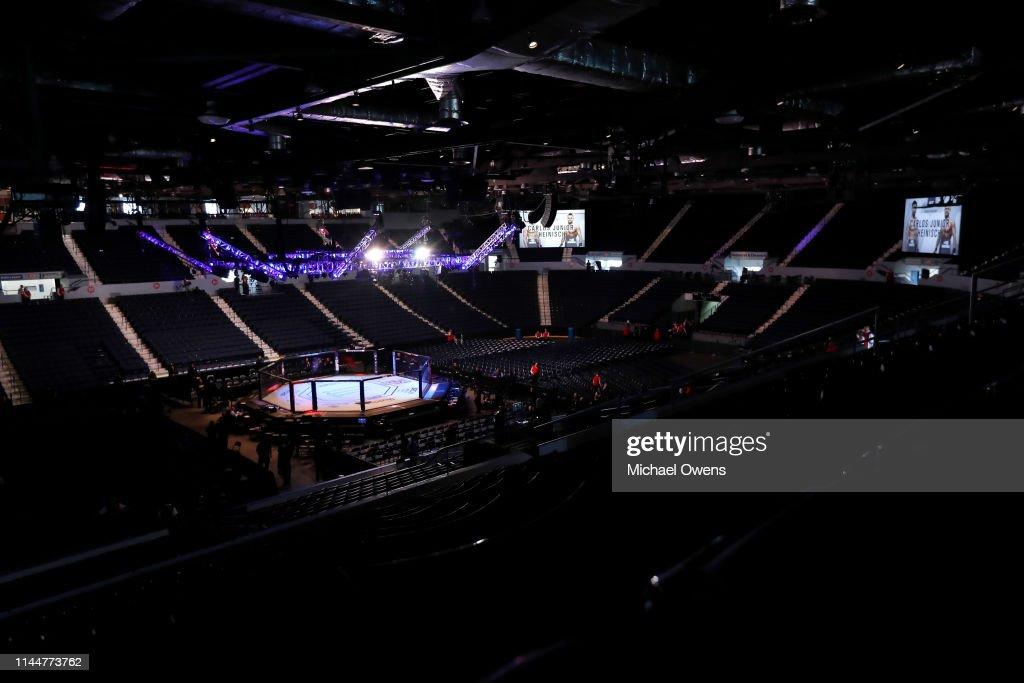 NY: UFC Fight Night Dos Anjos v Lee