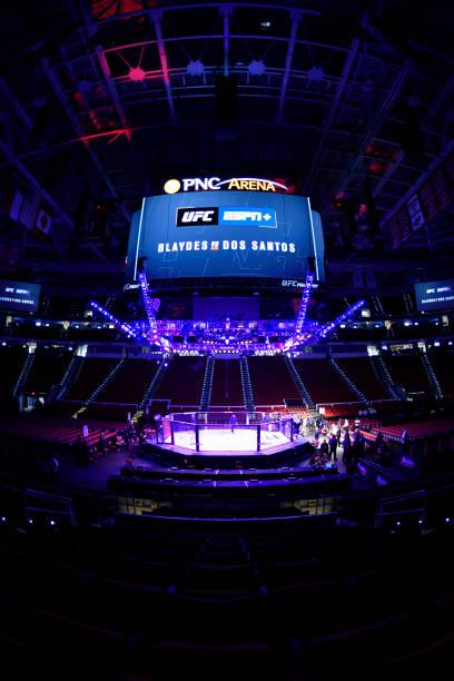 NC: UFC Fight Night Blaydes  v dos Santos