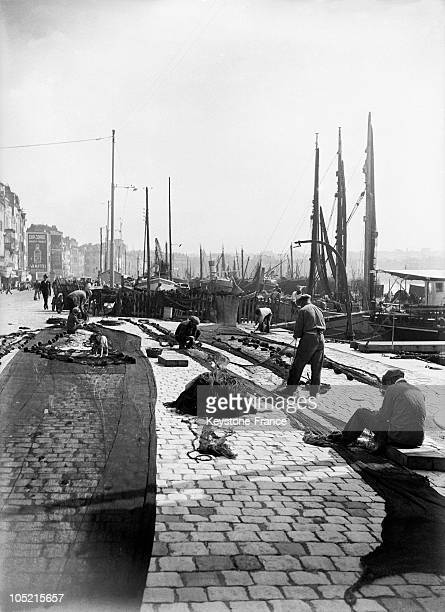 General View Of The Old Harbour Of Marseille In The 1930'S Fishermen Sew Nets In Front Of Sailboats