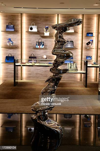General view of the opening of Fendi s new boutique at 51 Avenue Montaine  on July 3 9242e6b338e