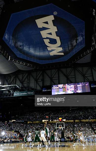 A general view of the opening tipoff between the Michigan State Spartans and the North Carolina Tar Heels during the 2009 NCAA Division I Men's...