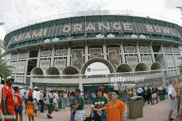 General view of the Orange Bowl during the game between the University of Miami Hurricanes and the University of Tennessee Volunteers on November 8,...