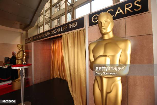 A general view of the Oscar statue at the 'Meet the Oscars' exhibit at The Shops at North Bridge on February 25 2010 in Chicago Illinois