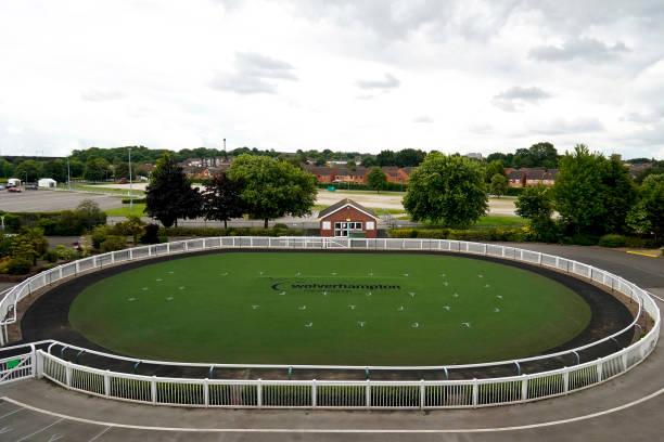 GBR: Wolverhampton Races