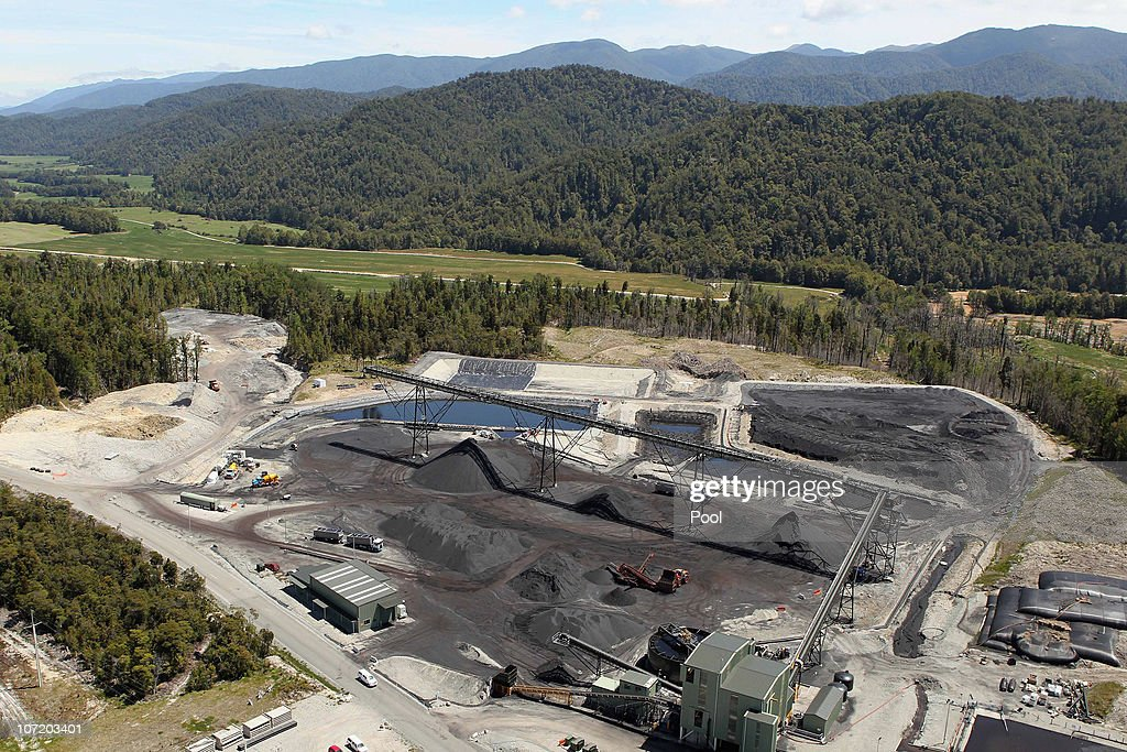 Fire Stalls Recovery Mission At Pike River Mine : News Photo