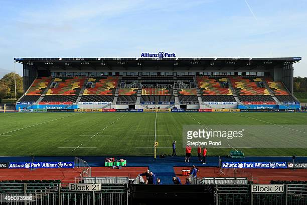 A general view of the pitch ahead of the Aviva Premiership match between Saracens and London Irish at Allianz Park stadium on October 31 2015 in...