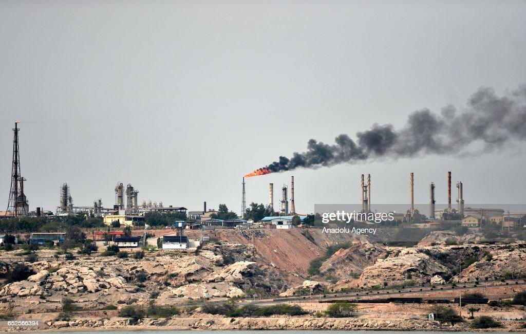 Kharg Island Oil Terminal in Iran : News Photo