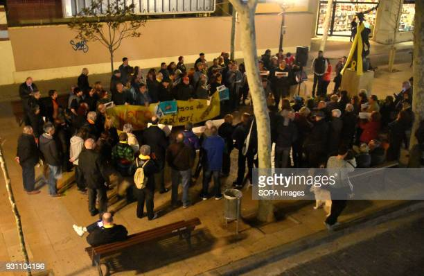 A general view of the protest Hundred of people gathered in L'Hospitalet in support of the Catalan political prisoners Jordi Sánchez and Jordi...