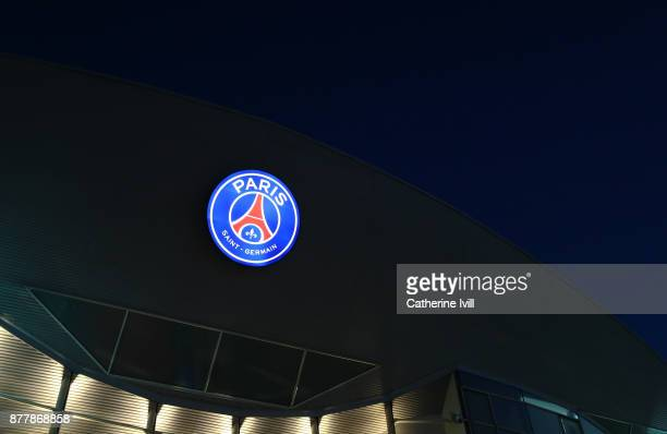 General view of the PSG club badge before the UEFA Champions League group B match between Paris SaintGermain and Celtic FC at Parc des Princes on...