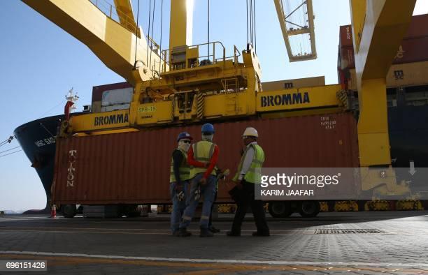 A general view of the Qatari Hamad port in the capital Doha on June 14 2017 / AFP PHOTO / Karim JAAFAR