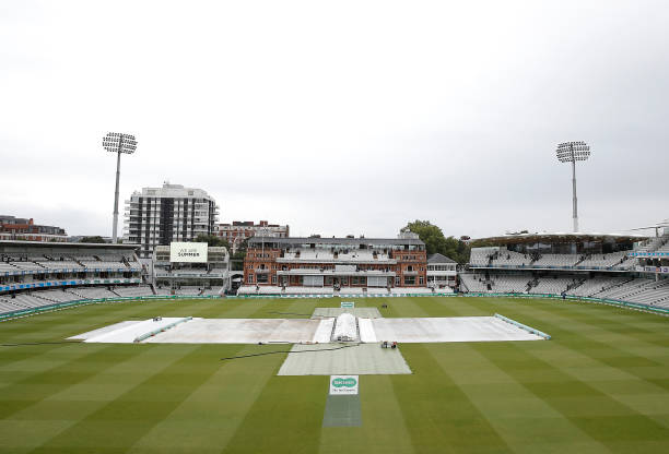 GBR: England v Australia - 2nd Specsavers Ashes Test: Day One