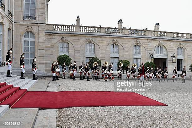 A general view of the Republican Honor Guard of the Elysee Palace prior to a State dinner in honor of Queen Elizabeth II hosted by French President...