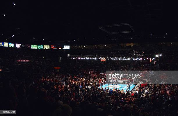 A general view of the ring as Fernando Vargas walks out before the world super welterweight/Jr middleweight championship fight against Oscar De La...