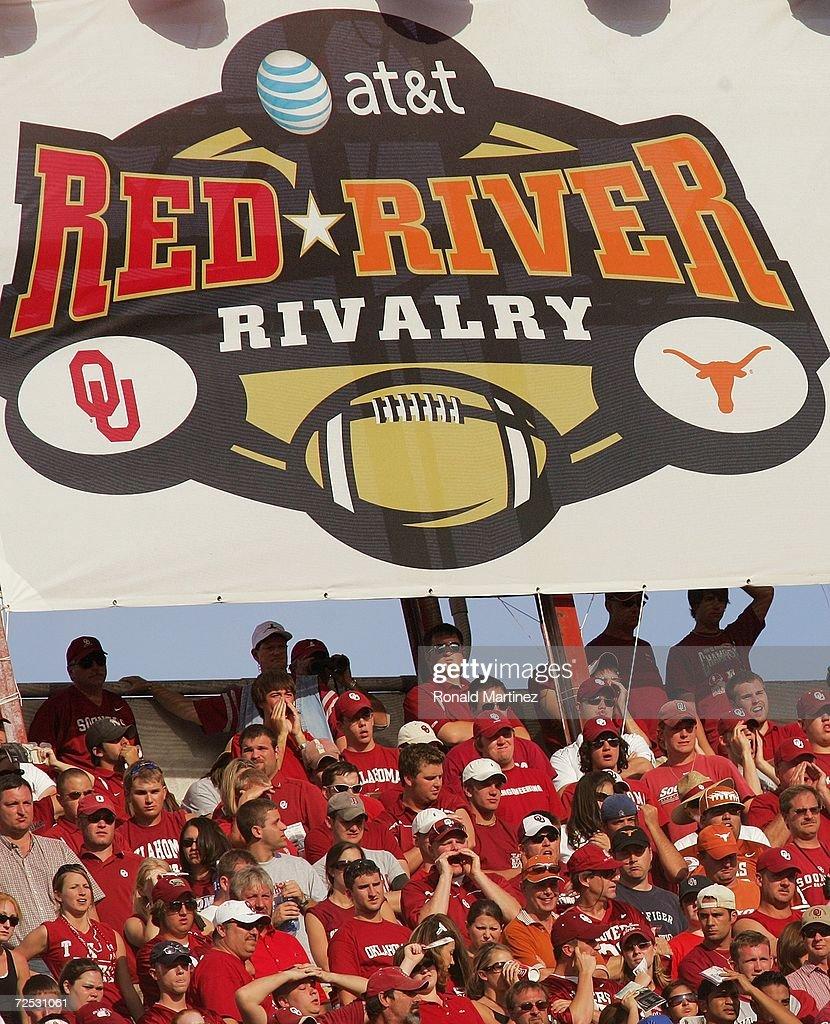 Texas Longhorns v Oklahoma Sooners : News Photo