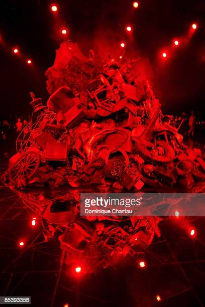 General view of the runway at the Alexander McQueen Ready-to-Wear A/W 2009 fashion show during Paris Fashion Week at POPB on March 10, 2009 in Paris,...