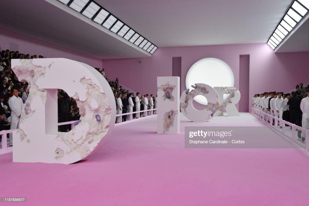 Dior Homme : Runway - Paris Fashion Week - Menswear Spring/Summer 2020 : Foto jornalística