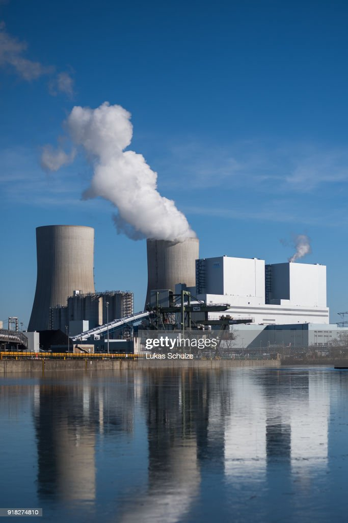 A general view of the RWE Kraftwerk Westfalen coal-fired power plant on February 14, 2018 near Hamm, Germany. The plant uses bituminous coal and has a combined output of 1600 MW. Germany, which despite massive investments in renewable energy sources, is still dependent on coal. Political leaders have admitted Germany will be unable to meet its ambitious CO2 reduction goals for coming years.