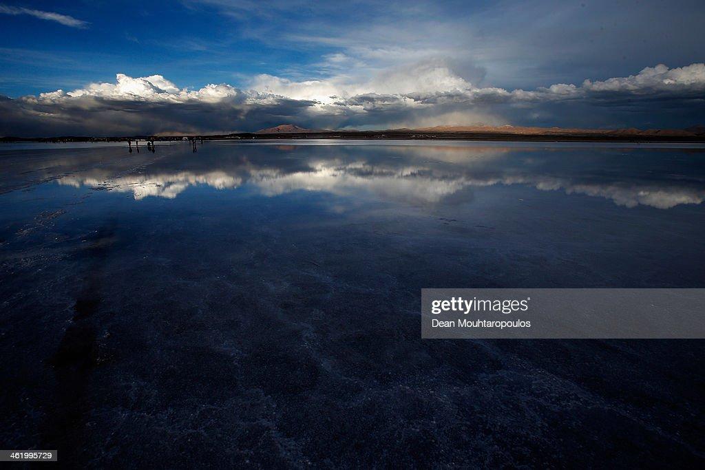 A general view of the Salar de Uyuni or Uyuni Salt Flat during Day 7 of the 2014 Dakar Rally on January 11, 2014 in Uyuni, Bolivia.