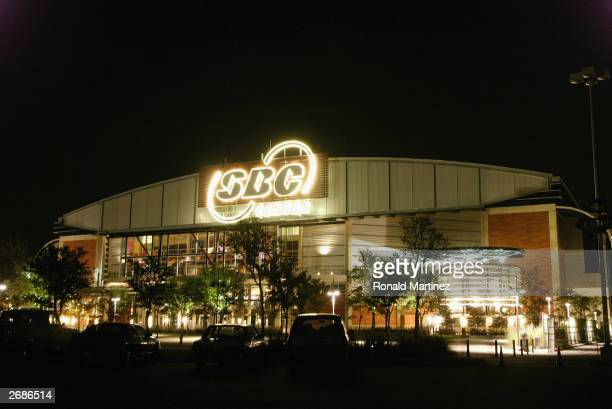 A general view of the SBC Center during the game between San Antonio Spurs and the Phoenix Suns on October 28 2003 in San Antonio Texas The Spurs won...