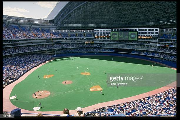 A general view of the SkyDome during a Toronto Blue Jays game in Toronto Alberta Canada Mandatory Credit Rick Stewart /Allsport
