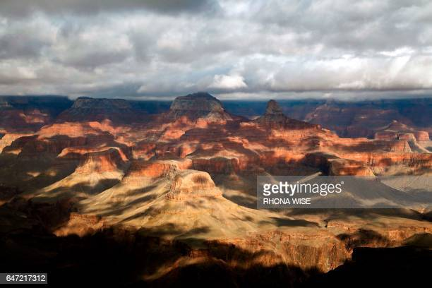 A general view of the South Rim of the Grand Canyon in Grand Canyon National Park Arizona on February 13 2017 / AFP PHOTO / RHONA WISE