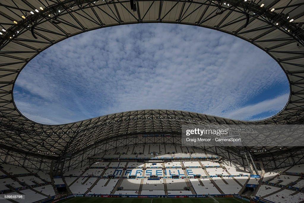 England v Russia - Group B: UEFA Euro 2016 : Photo d'actualité