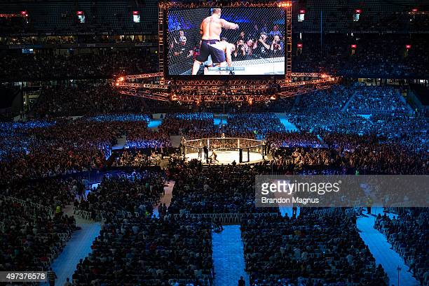 A general view of the stadium as Mark Hunt knocks out Antonio 'Bigfoot' Silva during the UFC 193 event at Etihad Stadium on November 15 2015 in...