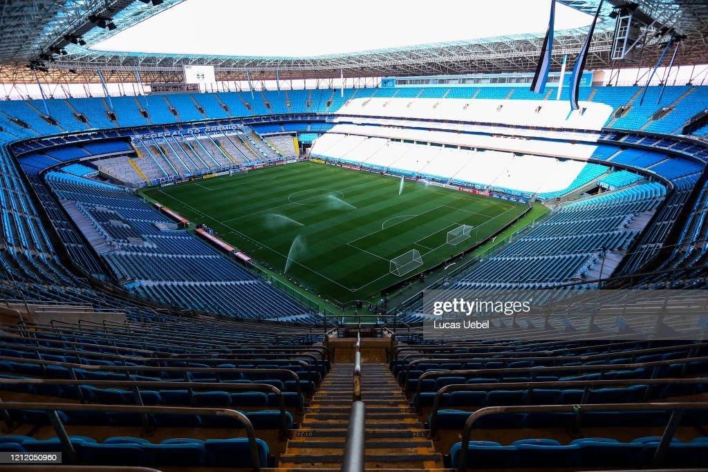 Gremio v Internacional - Copa CONMEBOL Libertadores 2020 : ニュース写真