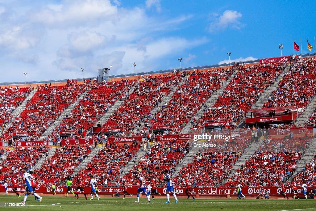 RCD Mallorca v RCD Espanyol  - La Liga : ニュース写真