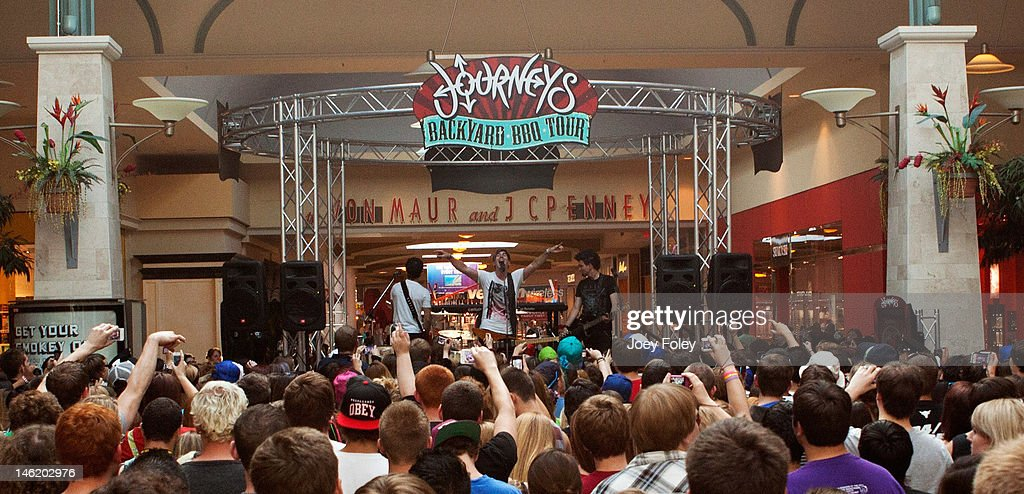 A general view of the stage and crowd as Marianas Trench performs at Journeys  Backyard BBQ - Journeys Backyard BBQ Tour - Indianapolis, IN Photos And Images