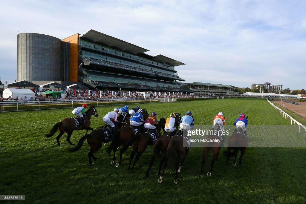 General view of the start of Race 8 The Metropolitan during Sydney Racing at Royal Randwick Racecourse on September 30, 2017 in Sydney, Australia.