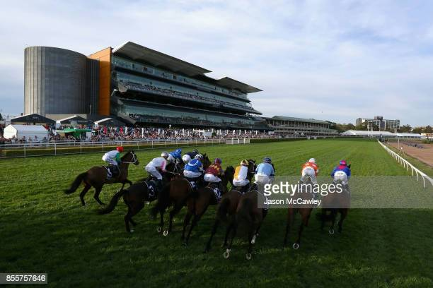 General view of the start of Race 8 The Metropolitan during Sydney Racing at Royal Randwick Racecourse on September 30 2017 in Sydney Australia