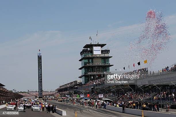 A general view of the start of the 99th running of the Indianapolis 500 mile race at Indianapolis Motorspeedway on May 24 2015 in Indianapolis Indiana