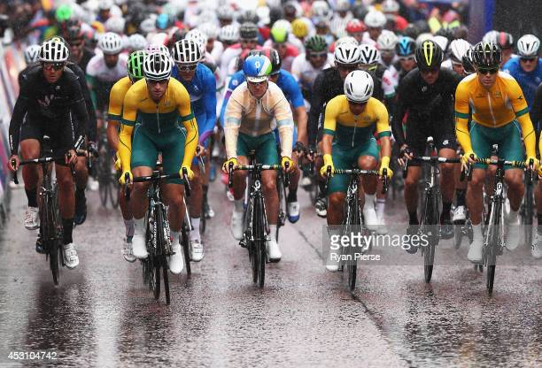 A general view of the start of the Men's Cycling Road Race during day eleven of the Glasgow 2014 Commonwealth Games on August 3 2014 in Glasgow...