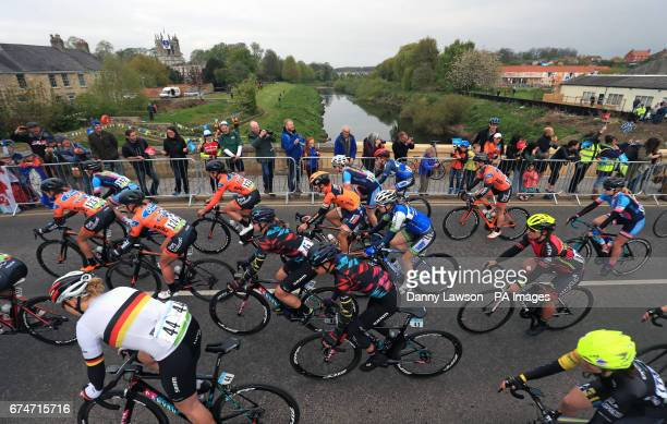 A general view of the start of the Women's race from Tadcaster to Harrogate