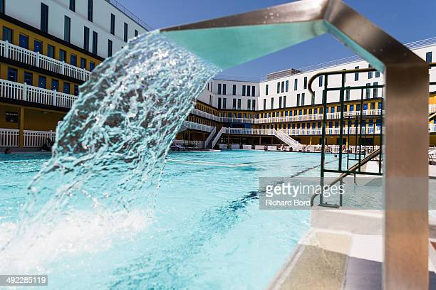 Piscine molitor images et photos getty images for Piscine molitor swimming pool